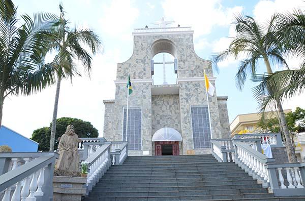 Terradenhachica_Santuário-de-Nhá-Chica